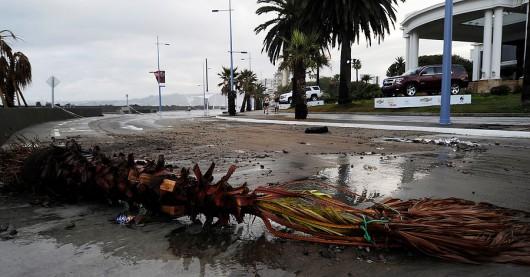 Chile - Potężne fale w nadmorskim kurorcie w Vina del Mar -2