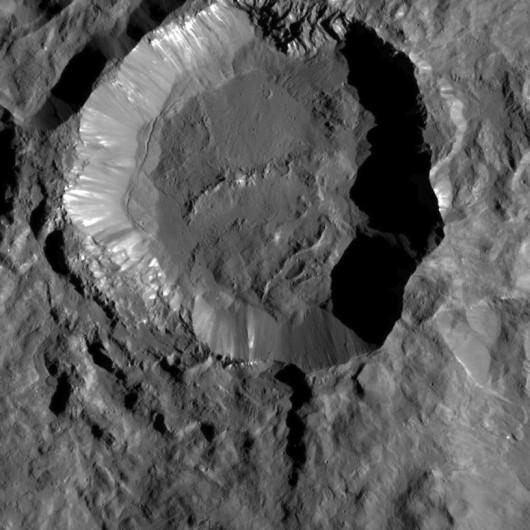 Krater Kupały Foto: NASA/JPL
