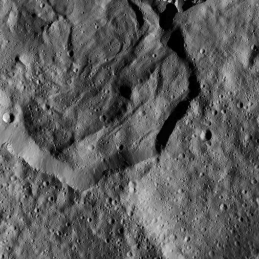 Krater Messor Foto: NASA/JPL