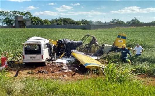 Londrina, Brazylia - Samolot spadł na busa przewożącego ludzi -1
