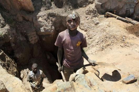 Nawet siedmioletnie dzieci wydobywają kobalt w małych kopalniach w Kongo za 2 dolary na dobę -4