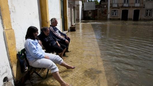 Portugalia - Podniósł się poziom trzech rzek i zalazły wiele budynków -2