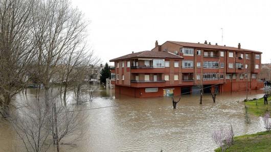 Portugalia - Podniósł się poziom trzech rzek i zalazły wiele budynków -4