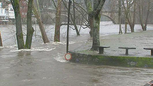 Portugalia - Podniósł się poziom trzech rzek i zalazły wiele budynków -6