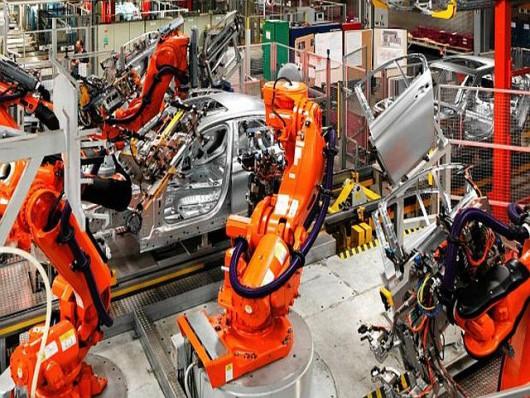 Roboty w zakładach pracy wypierają potencjał ludzki
