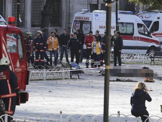 Turcja - Potężny wybuch na placu Sultanahmet w Stambule -4