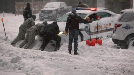 USA - Z powodu śnieżycy ogłoszono stan wyjątkowy w 11 stanach -7