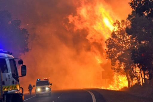 Yarloop, Australia - Od pioruna zaczął się pożar buszu, spłonęło już prawie 100 budynków -1