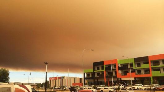 Yarloop, Australia - Od pioruna zaczął się pożar buszu, spłonęło już prawie 100 budynków -2