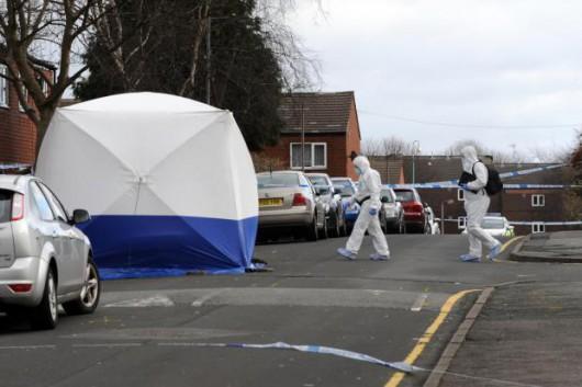 Bolton, UK - Brutalnie zabito Polaka, grupa zamaskowanych napastników zaatakowała go maczetami