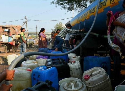 Delhi, Indie - Z powodu protestów ponad 10 milionów osób w stolicy bez wody