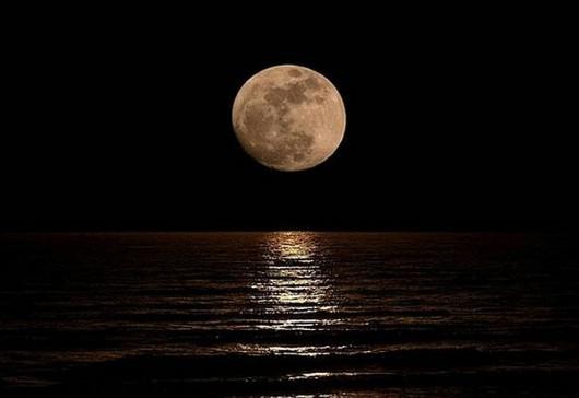 Księżyc ma wpływ na ilość opadów