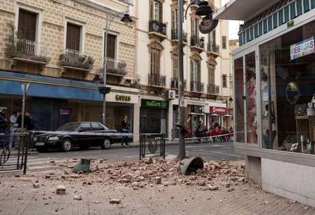 Melilla, Hiszpania - Zatrzęsła się ziemia i kilka budynków w mieście zostało poważnie uszkodzonych