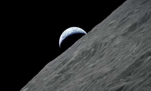 Załoga Apollo 10 słyszała dziwne dźwięki podczas przelotu nad ciemną stroną Księżyca