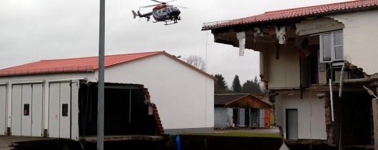 Niemcy - W Nordhausen zapadła się ziemia, powstał lej wypełniony wodą, głęboki na 40 metrów -1
