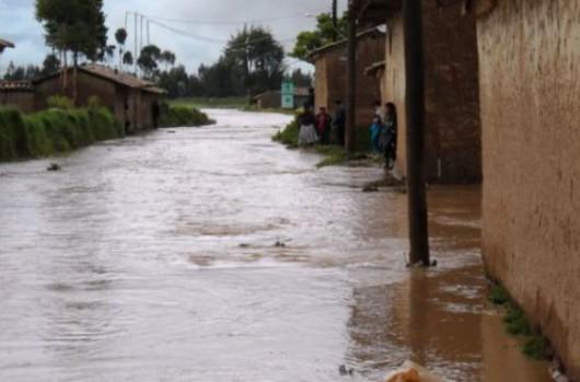 Peru - Osiem godzin deszczu spowodowało ogromną powódź -1