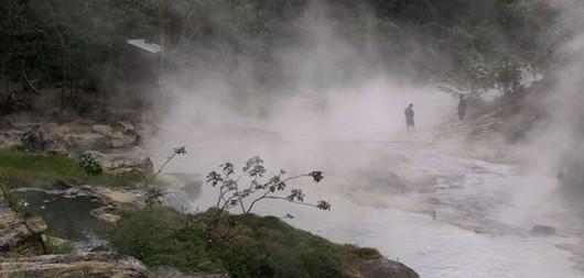 Peru - W lasach deszczowych Amazonii odkryto nadzwyczajną rzekę, która prawie się gotuje -4