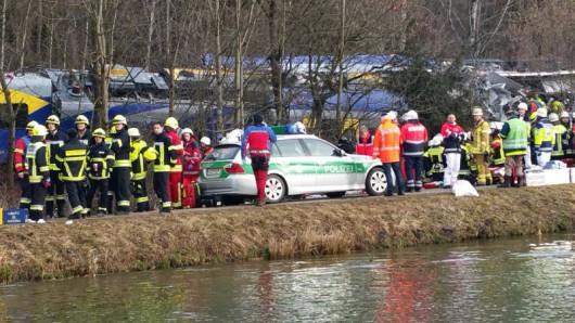 Rosenheim, Niemcy - Katastrofa kolejowa na Bawarii, czołowo zderzyły się dwa pociągi -3