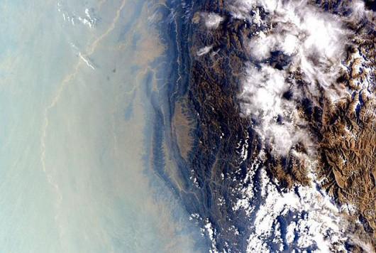 Smog nad Azją Zdjęcie: Scott Kelly