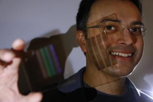 Soczewki płaskie jak kartka papieru staną się wkrótce rzeczywistością, rozwiązano problem z różnym załamywaniem się różnych barw światła