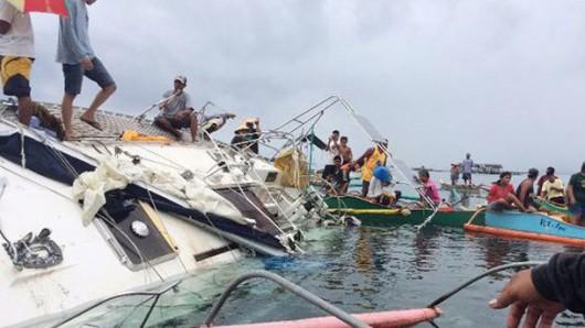 U wybrzeży Filipin dryfował na wpół zatopiony jacht ze zmumifikowanymi zwłokami niemieckiego żeglarza -3