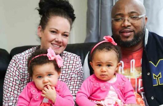 UK - Niezwykle rzadkie zjawisko, bliźniaczki jednojajowe o różnym kolorze skóry -1