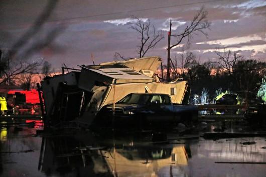USA - W ciągu doby 27 tornad zabiło co najmniej 7 osób -2
