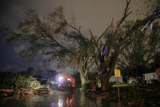 USA - W ciągu doby 27 tornad zabiło co najmniej 7 osób -4