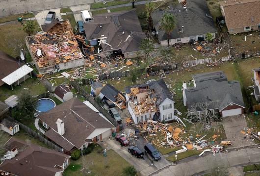 USA - W ciągu doby 27 tornad zabiło co najmniej 7 osób -6