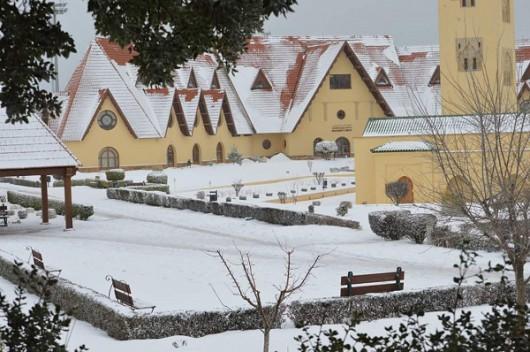 W Tunezji, Maroku, Algierii i Hiszpanii spadł śnieg -1