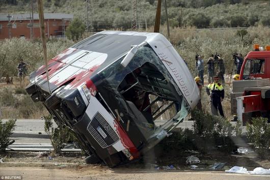 Hiszpania - W wypadku autokaru zginęło 14 studentów -1