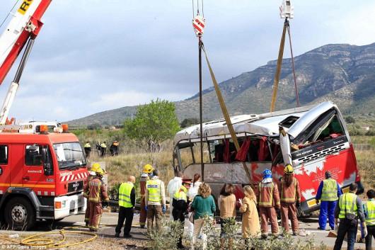 Hiszpania - W wypadku autokaru zginęło 14 studentów -10