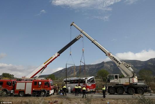 Hiszpania - W wypadku autokaru zginęło 14 studentów -11