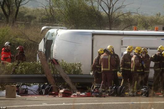 Hiszpania - W wypadku autokaru zginęło 14 studentów -7