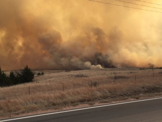 Kansas, USA - Pożar na powierzchni ponad 150 tysięcy hektarów -3