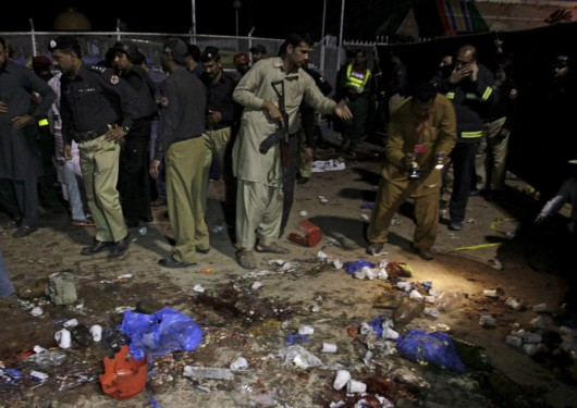 Lahore, Pakistan - Bomba wybuchła kilka metrów od placu zabaw -4