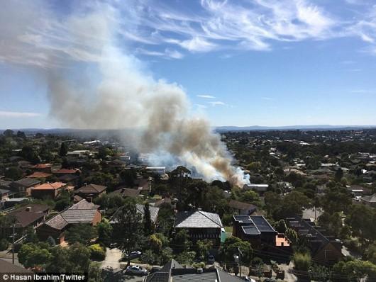Melbourne, Australia - Zapalił się laptop w trakcie ładowania i spalił dom -1