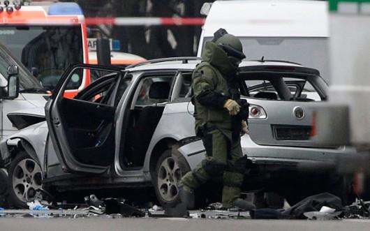 Niemcy - W centrum Berlina eksplodowało auto -2