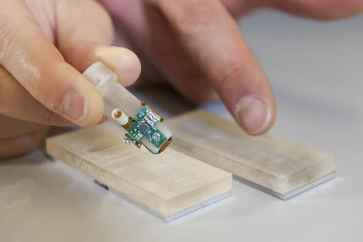 Skonstruowano protezę palca, która po podłączeniu do włókien nerwowych daje wrażeniem dotyku