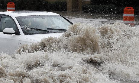 USA - Ogromne powodzie na południu, w Teksasie i Luizjanie niektóre domy zalane po sam dach -6 - Kopia