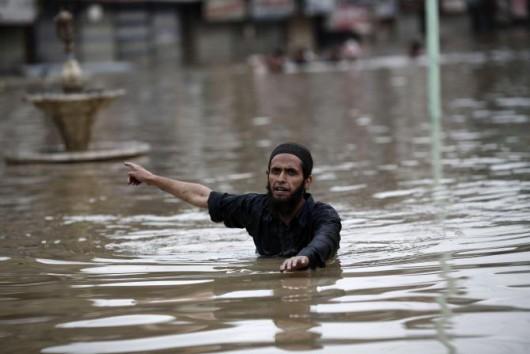 Ulewny deszcz w Pakistanie