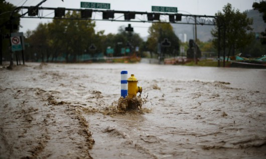 View of a flooded street in Santiago, April 17, 2016. REUTERS/Ivan Alvarado