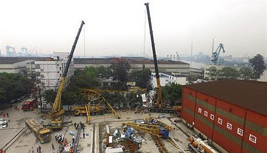 Dongguan, Chiny - Dźwig przewrócił się dwukondygnacyjny budynek dla robotników, zginęło 18 osób -4