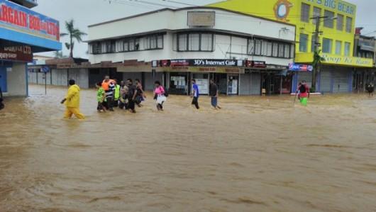 Fidżi - Powódź z powodu ogromnych opadów deszczu -3