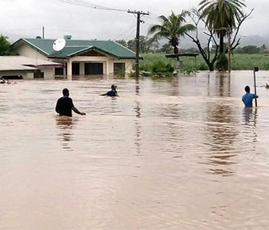 Fidżi - Powódź z powodu ogromnych opadów deszczu -4