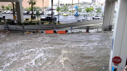 Las Vegas, USA - Intensywne opady deszczu w Nevadzie i Kalifornii -2