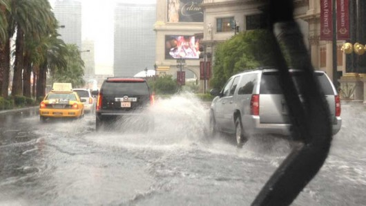 Las Vegas, USA - Intensywne opady deszczu w Nevadzie i Kalifornii