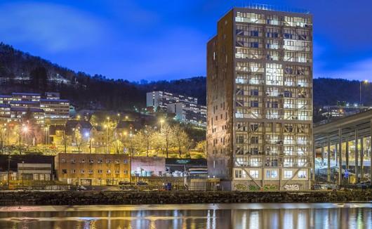 Najwyższy na świecie drewniany budynek wybudowano w Bergen w Norwegii.