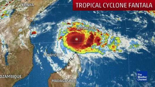 Ocean Indyjski - Olbrzymi huragan Fantala zahaczy o Madagaskar -1