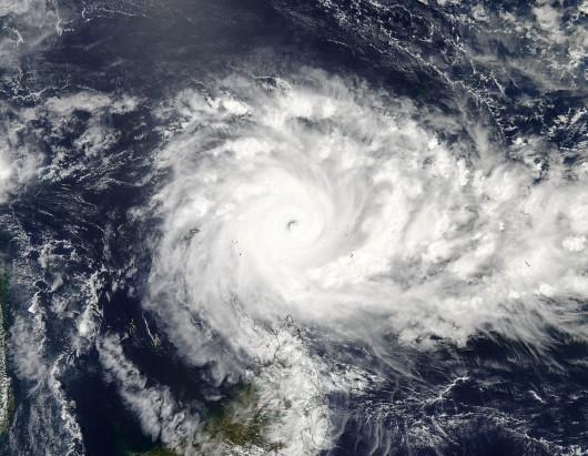 Ocean Indyjski - Olbrzymi huragan Fantala zahaczy o Madagaskar -2